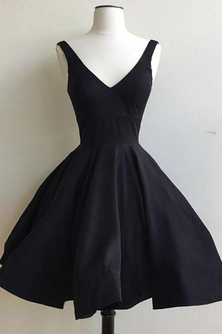 Little Black Dresses,A-line Homecoming Dresses,Straps Homecoming Dresses,V-neck Homecoming Dresses,Short Prom Dresses,Party Dresses